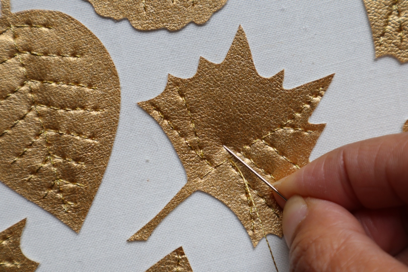Gold leaves garland stitching leaves 2