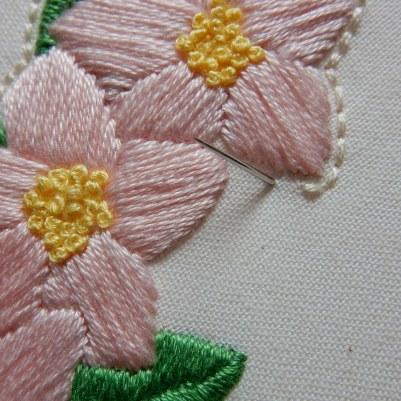 Blossom wreath back stitch 1 DSCN6072