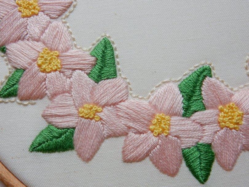 Blossom wreath back stitch 5 DSCN6082