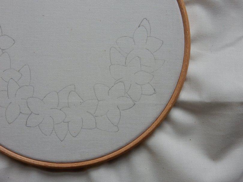 Blossom wreath design traced DSCN5695