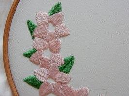 Blossom wreath satin stitch 5 DSCN5714
